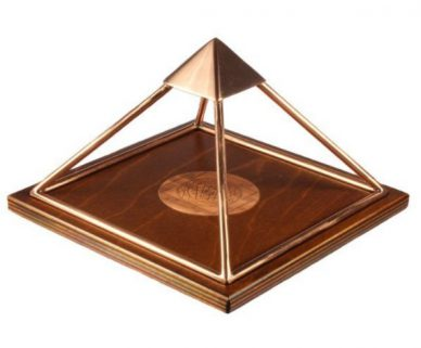 Meru Piramide Hout en Koper